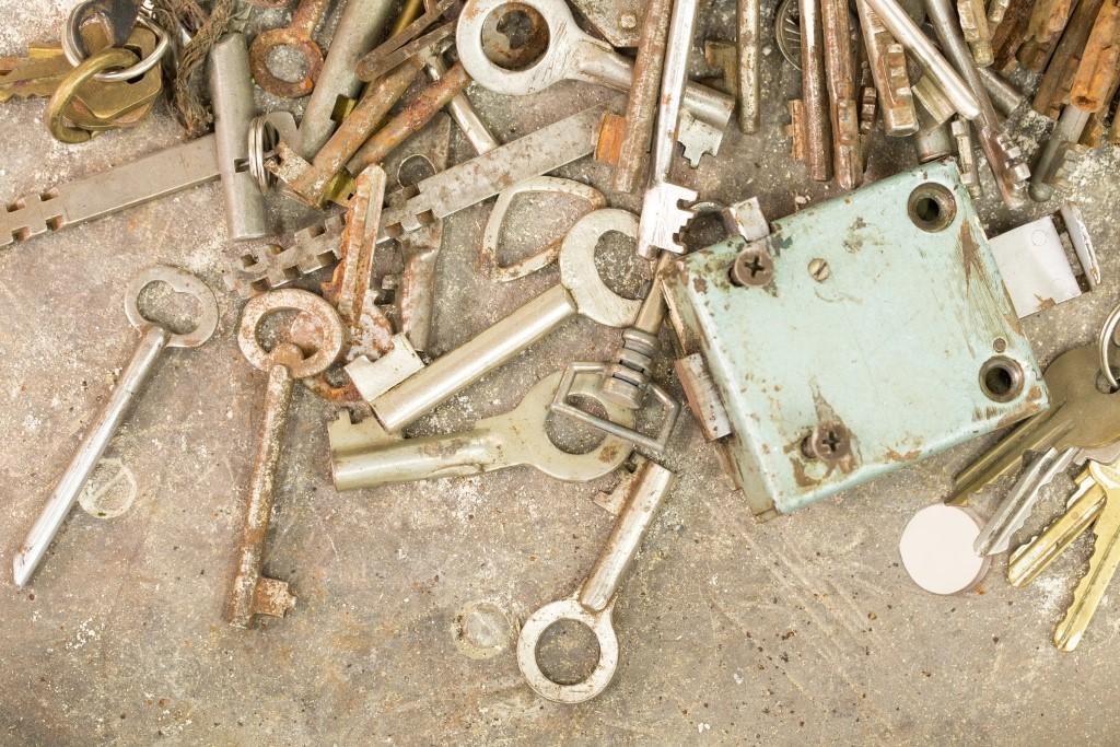 Стари ключове и брави